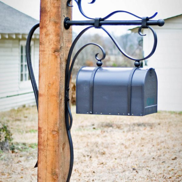 Flowing Winds Mailbox